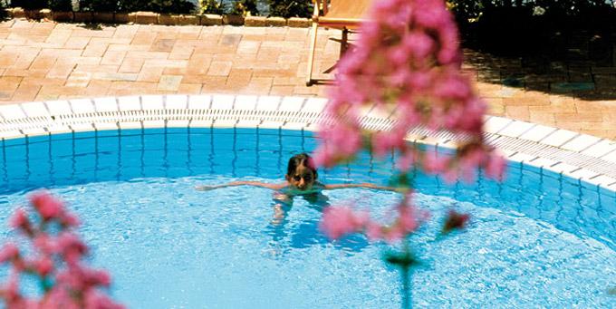 Tutte Le Piscine Giardini Poseidon Terme Ischia Terme Piscine Centro Benessere Terapie Mediche Terapie Olistiche Trattamenti Estetici