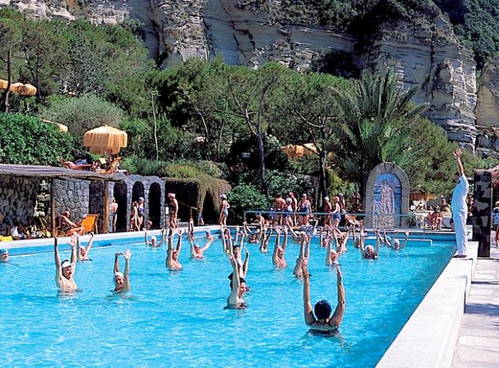 Medicina e riabilitazione giardini poseidon terme ischia terme piscine centro benessere - Giardini di poseidon ischia ...